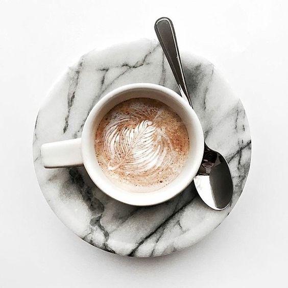 plato cafe marmol blanco
