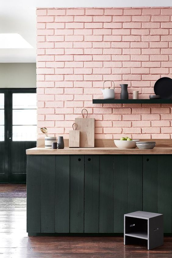 Cocina verde y rosa