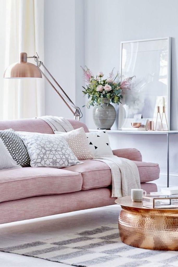 Vivo ribete sofá tapizado rosa palo