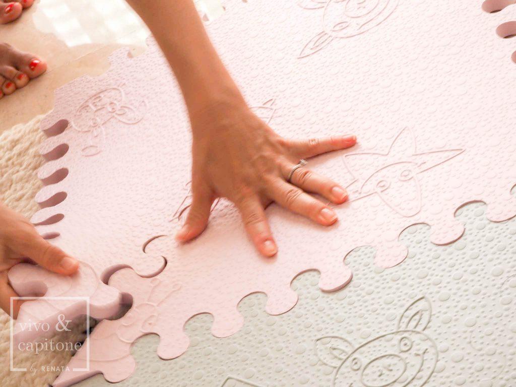 mano de renata puzzle alfombra para bebes